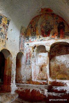 Lama D'Antico ai confini tra la Provincia di BR e BA antichi scavi.