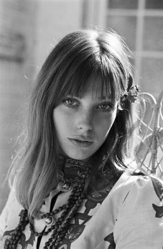 """Before became the name of a bag. There was a beautiful lady called """"Jane Birkin"""". Gainsbourg Birkin, Serge Gainsbourg, Style Jane Birkin, Jane Birken, Mundo Hippie, Kathleen Hanna, Actrices Sexy, Estilo Hippy, Hippie Man"""