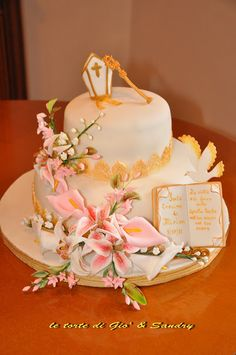 , First Communion Cakes, Cake Designs, Church Weddings, Desserts, Dolce, Inspiration, Food, Cake Art, Conch Fritters