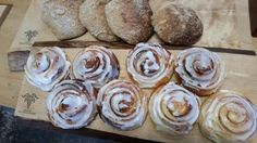 Cinnamon buns and bread from the wood - fired oven. Wood Fired Oven, Buns, Cinnamon, Muffin, Tasty, Bread, Breakfast, Kitchen, Food