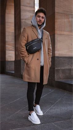 12 Amazing hoodie outfits for the spring! Mr Streetwear Magazine Flanking - 12 Amazing hoodie outfits for the spring! Mens Fall Outfits, Stylish Mens Outfits, Casual Winter Outfits, Men Casual, Street Style Outfits Men, Hoodie Outfit, Herren Outfit, Mode Outfits, Fashion Outfits