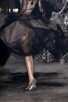 deus-e-x-machina:    Dior couture, FW 05