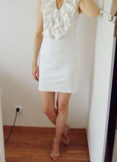 Kup mój przedmiot na #vintedpl http://www.vinted.pl/damska-odziez/krotkie-sukienki/21383705-tylko-wymiana-sukienka-letnia-falbanki-z-falbanka-biala-prosta-krotka-36