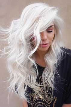 Trendy Hair Color Picture Description White blonde hair is the dream of many women disregarding the age. And there is no wonder why, just one look at these stunning blonde beauties makes you crave Perfect Blonde Hair, White Blonde Hair, Icy Blonde, Blonde Balayage, Long White Hair, Blonde Shades, Hairstyles Haircuts, Trendy Hairstyles, Blonde Hairstyles