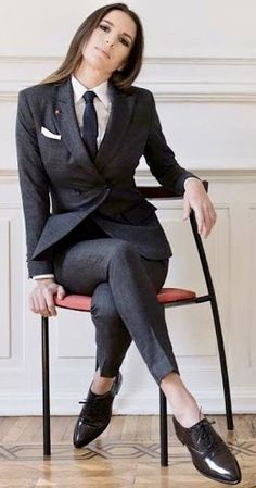 100 Women In Suits Ideas Women Suits For Women Fashion