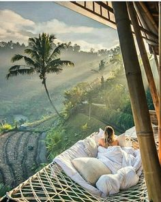 Greece Discover 20 Amazing Hotels In Striking Locations You Must Visit - Travel Den 20 Amazing Hotels In Striking Locations You Must Visit Bucket List Destinations, Honeymoon Destinations, Holiday Destinations, Ubud, Places To Travel, Places To Visit, Arizona, Road Trip, Destination Voyage