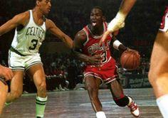 El síndrome de Jordan: Un estudio que demuestra hasta dónde llega la pasión por la estrella… #baloncesto #basket #basketbol #basquetbol #kiaenzona #equipo #deportes #pasion #competitividad #recuperacion #lucha #esfuerzo #sacrificio #honor #amigos #sentimiento #amor #pelota #cancha #publico #aficion #pasion #vida #estadisticas #basketfem #nba