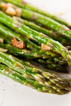 mmm I love asparagus - 3 tablespoons butter or margarine, 1 bunch fresh asparagus, 3 cloves garlic, chopped.  Heat pan, heat butter, throw in garlic and asparagus, cooked covered ten minutes.