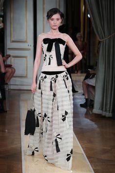 Vogue Online, Apron, Fashion, Moda, Fashion Styles, Fashion Illustrations, Aprons