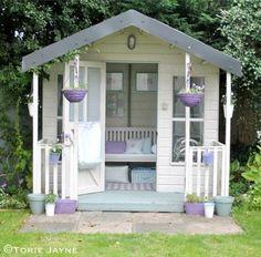 48 Ideas Backyard Living She Sheds For 2019 Backyard Sheds, Backyard Retreat, Garden Sheds, Summer House Garden, Home And Garden, Inside Garden, Summer Houses, House Inside, She Shed Decorating Ideas