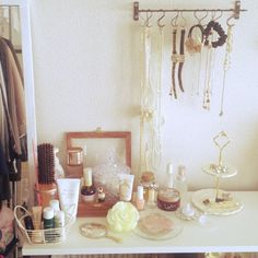 cano_0710さんの、セリア,ダイソー,メイクコーナー,アクセサリー収納,アクセサリー,3Coins,マジョリカマジョルカ,キティちゃん,My Shelf,のお部屋写真