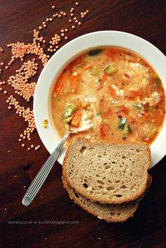 Moje Dietetyczne Fanaberie: Zupa curry z soczewicą i cukinią Cheeseburger Chowder, Food And Drink, Dinner, Ethnic Recipes, Fitness, Blog, Suppers, Excercise, Health Fitness