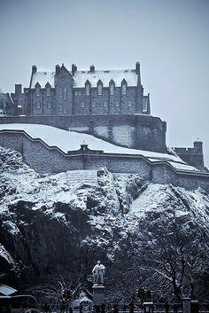 Edinburgh Castle (10+ Pics)