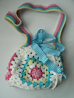 Crochet Purse Idea. No pattern. madebijmij.blogspot.com ༺✿ƬⱤღ✿༻