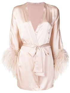 Check out Gilda & Pearl with over 2 items in stock. Shop Gilda & Pearl Mia wrap robe today with fast Australia delivery and free returns. Lingerie Design, Designer Lingerie, Luxury Lingerie, Robes Glamour, Jolie Lingerie, Peignoir, Beautiful Lingerie, Pajama Set, Loungewear