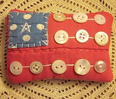 Primitive Country Tiny Americana Patriotic Flag Button Pillow From Vintage Quilt Americana Crafts, Patriotic Crafts, Patriotic Decorations, July Crafts, Primitive Crafts, Country Primitive, Summer Crafts, Patriotic Party, Fabric Crafts
