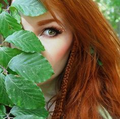 Redheads Be Here Beautiful Redhead, Beautiful People, Red Hair Woman, Hottest Redheads, Manicure E Pedicure, Ginger Hair, Shades Of Red, Freckles, Hairdresser