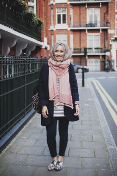 Find images and videos about hijab and dina tokyo on We Heart It - the app to get lost in what you love. Islamic Fashion, Muslim Fashion, Modest Fashion, Love Fashion, Fashion News, Fashion Outfits, Fashion Trends, Modest Wear, Modest Outfits