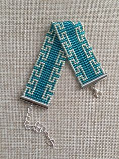 off loom beading Loom Bracelet Patterns, Bead Loom Patterns, Beaded Jewelry Patterns, Beading Patterns, Beaded Braclets, Bead Loom Bracelets, Bead Loom Designs, Tear, Beads And Wire