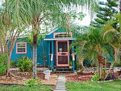 Get away to the Fishin' Shanty, a waterfront hideaway on beautiful Matlacha Island. This versatile vacation rental has a master bedroom, an open single bed. (Low-key vacationers can even add a few more visitors ...