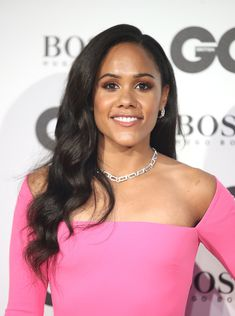 Alex Scott MBE presented the GQ Sportsman of the Year Award to Harry Kane last night, whilst wearing diamonds from Boodles Knot collection. Beautiful Black Women, Beautiful People, Question Of Sport, Arsenal Ladies, Alex Scott, Gq Awards, Relationship Images, Match Of The Day, Boodles