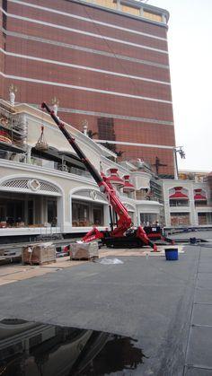 UNIC mini-crawler crane Crawler Crane, Mechanical Engineering, Heavy Equipment, Spider, Transportation, Street View, Trucks, Construction, Building