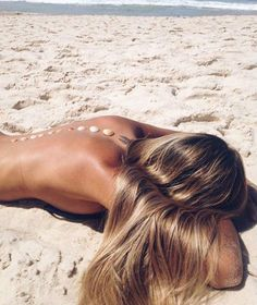 Pinterest: iamtaylorjess | Tanning in the sunshine on the beach in summertime #vibes