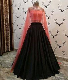 Apr 2020 - Buy New Latest Women (लहंगा) Lehenga Choli Designs 2020 Indian Wedding Gowns, Indian Gowns Dresses, Evening Dresses, Girls Dresses, Wedding Dresses, Indian Designer Outfits, Indian Outfits, Designer Dresses, Long Gown Dress