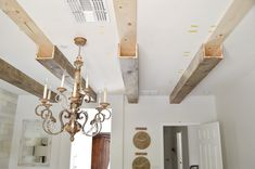 DIY Faux Wood Beams Source by bellatexas decoration decoration wood Faux Ceiling Beams, Faux Wood Beams, Wood Ceilings, Vaulted Ceiling Bedroom, Faux Wood Wall, Wood Plank Ceiling, Shiplap Ceiling, Diy Wood Wall, Wood Walls