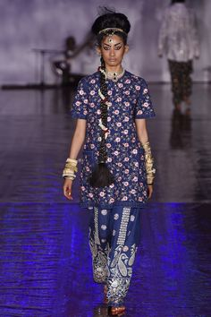 See the complete Ashish Spring 2017 Ready-to-Wear collection.