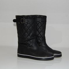 Cuuuuuute!  Chanel Boots (Black)
