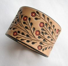Leather Wristband Bracelet w Little Red Flowers – Hand Tooled Wide Cuff- Back by Popular Demand – Leder Leather Carving, Leather Art, Leather Cuffs, Leather Design, Leather Tooling, Leather Jewelry, Leather Bracelets, Black Leather, Metal Jewelry