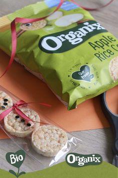 Lekkere en verantwoorde kindertraktatie! Voor op school, verjaardag of kinderdagverblijf. Simpel te maken met Apple Rice Cakes van Organix! Snack Recipes, Snacks, Chips, Organic, Apple, Creative, Gifts, Party Ideas, Food