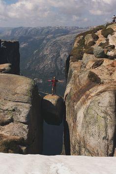 Me at Kjeragbolten. Beautiful World, Norway, Grand Canyon, Hiking, Nature, Travel, Walks, Naturaleza, Viajes