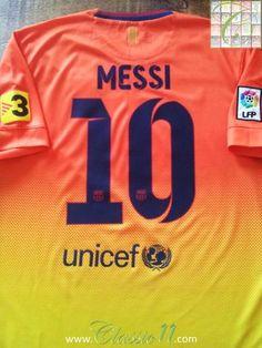 Relive Lionel Messi's 2012/2013 La Liga season with this original Nike Barcelona away football shirt.