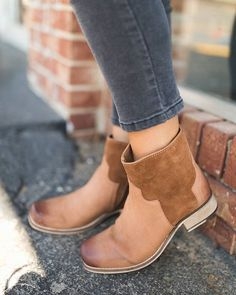 #Seychelles Crossing Bootie // Available @maude_nwa and online #shopmaude #maudesquad