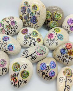 My flower garden will be heading out into the world this week! I love fun Kindness Rocks like these. My flower garden will be heading out into the world this week! I love fun Kindness Rocks like these. Rock Painting Patterns, Rock Painting Ideas Easy, Rock Painting Designs, Paint Designs, Pebble Painting, Pebble Art, Stone Painting, Garden Painting, Fabric Painting