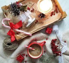 Наступает время волшебства, время чудес и сказок Так хочется верить в чудо, не растерять эту чудесную способность удивляться мелочам и получать от них удовольствие❄Но главное, в него верят дети! Люблю смотреть, как дочка ловит маленькие снежинки, радуется когда у неё получается сохранить хрупкую красоту на мгновенье ❄ Я улыбаюсь  Своими руками с Варюшей соорудили вот такие светильнички 23.11.2016 ---------------- На конкурс @vintage_or_antiquus #новый_год_by_vintage ----------------...