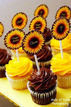 New Bridal Shower Invitations Free Diy Ideas Sunflower Birthday Parties, Sunflower Party, Sunflower Baby Showers, Summer Birthday, Birthday Party Themes, Diy Birthday, Birthday Invitations, Shower Invitations, Happy Birthday