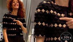 Chaqueta de lana en negro y dorado de la firma Anamayadesign.