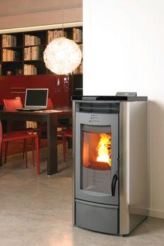 verkrijgbaar in vele verschillende kleuren en zelfs  in RVS  meer informatie: www.pelletkachelshuis.nl