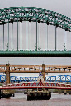Newcastle upon Tyne (bridges over the Tyne).
