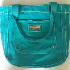 Cute Aeropostale bag!🐬 Excellent condition. It was only used a few times. Aeropostale Bags