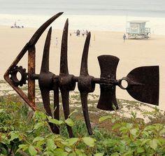 Metal Garden Art Ideas – Greenest Way Welding Art Projects, Metal Art Projects, Diy Projects, Metal Sculpture Artists, Steel Sculpture, Art Sculptures, Fish Sculpture, Metal Garden Sculptures, Sculpture Ideas