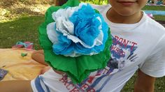 10- Para terminar añadimos una servilleta verde sin realizar el corte en el corazón