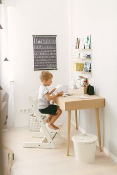 Kinderschreibtisch design  Flisat | Desks, Room and Spaces