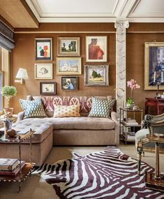 Inside the New Manhattan Apartment of Decorating Legend Bunny Williams : Sitting Area- Apartment of Decorating Legend Bunny Williams Bunny Williams Home, Design Salon, Manhattan Apartment, York Apartment, Minimalist Room, Interior Exterior, Architectural Digest, My Living Room, Interiores Design