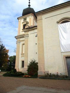Kostel Nanebevzetí Panny Marie u zámku Loučeň - Středočeský kraj