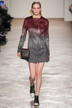 Style.com thought this collection wasn't innovative. This fabric looks pretty innovative to me. Gabriele Colangelo