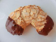 Mandelhörnchen, ein schmackhaftes Rezept aus der Kategorie Kekse & Plätzchen. Bewertungen: 275. Durchschnitt: Ø 4,6.